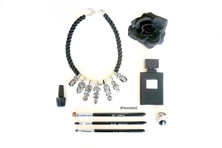black flatlay-002