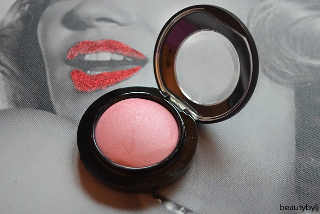 mac blush just a wisp2