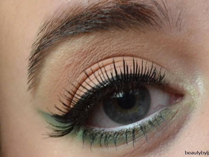 christmaslook groene eyeliner