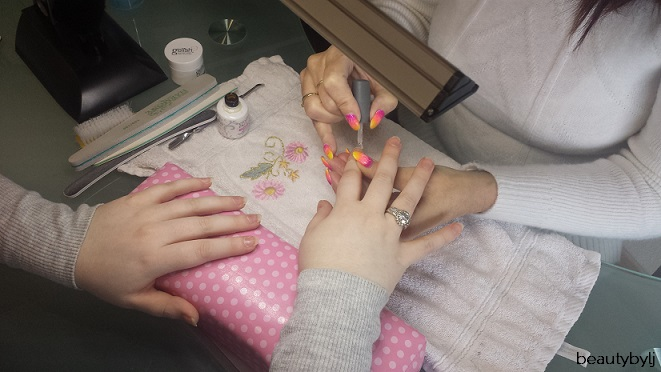 nagelsalon happy