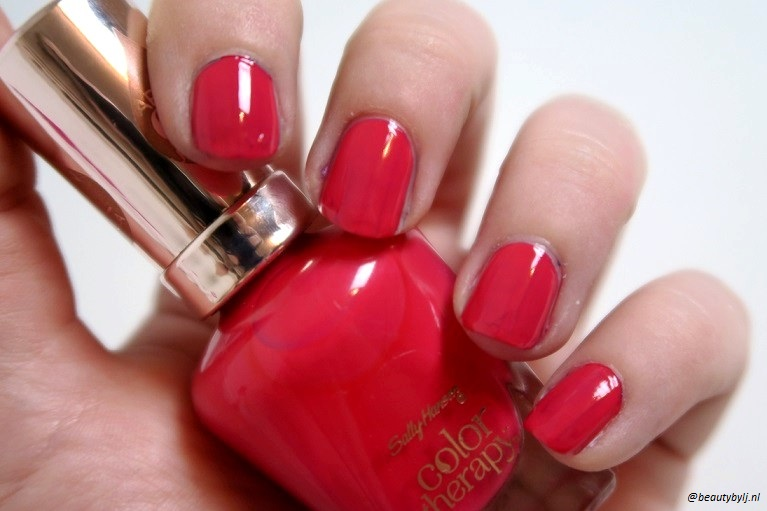 sally hansen lazy summer9